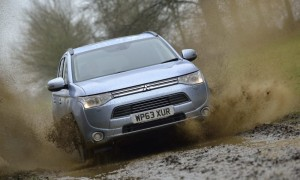 Mitsubishi Outlander PHEV off-road