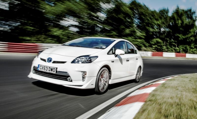Toyota Prius sets Nürburgring record