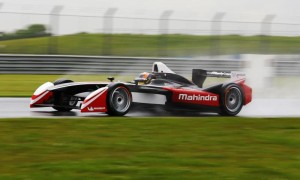 Karun Chandhok driving the Mahindra Nitro Formula E car