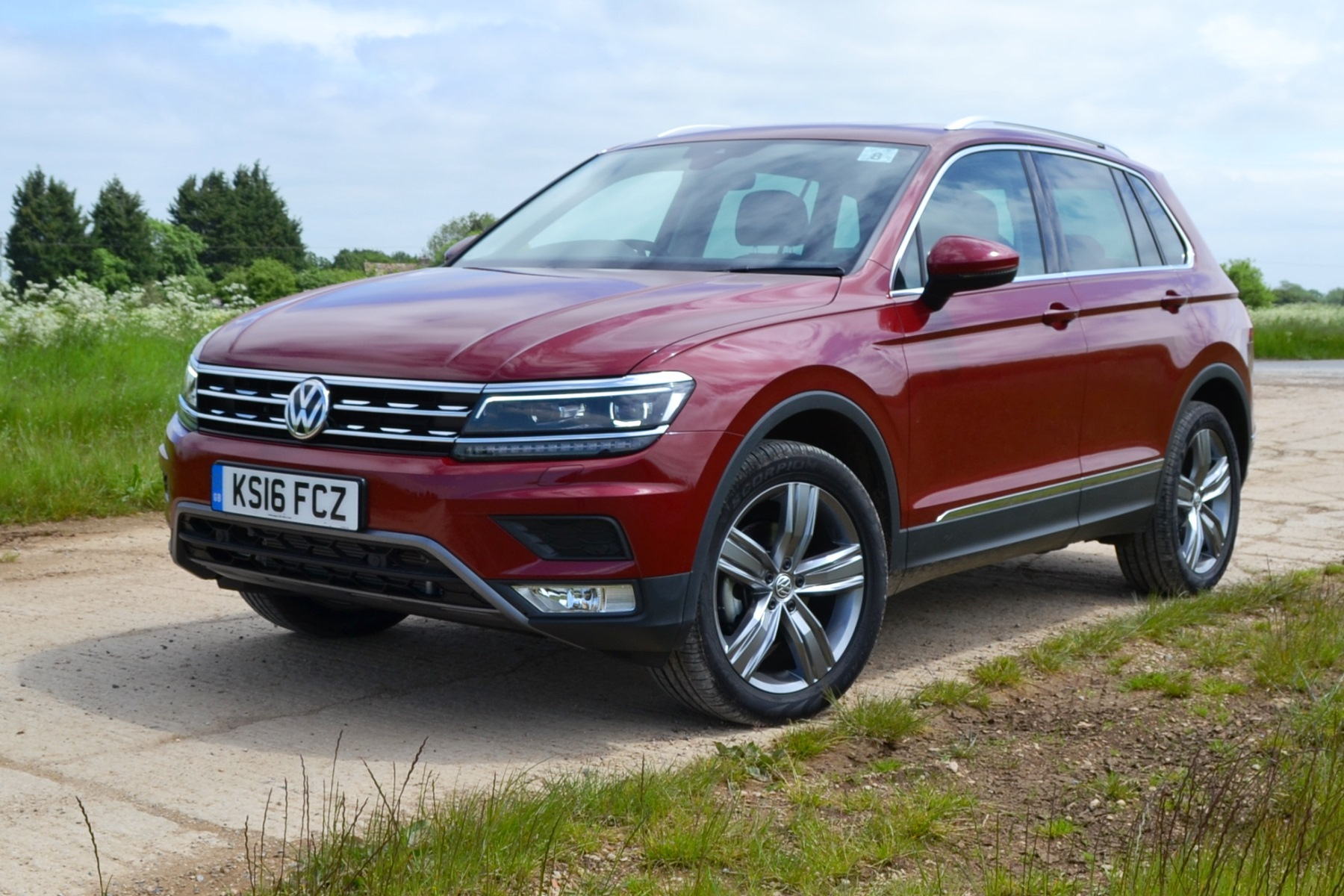 volkswagen tiguan review automotive blog. Black Bedroom Furniture Sets. Home Design Ideas