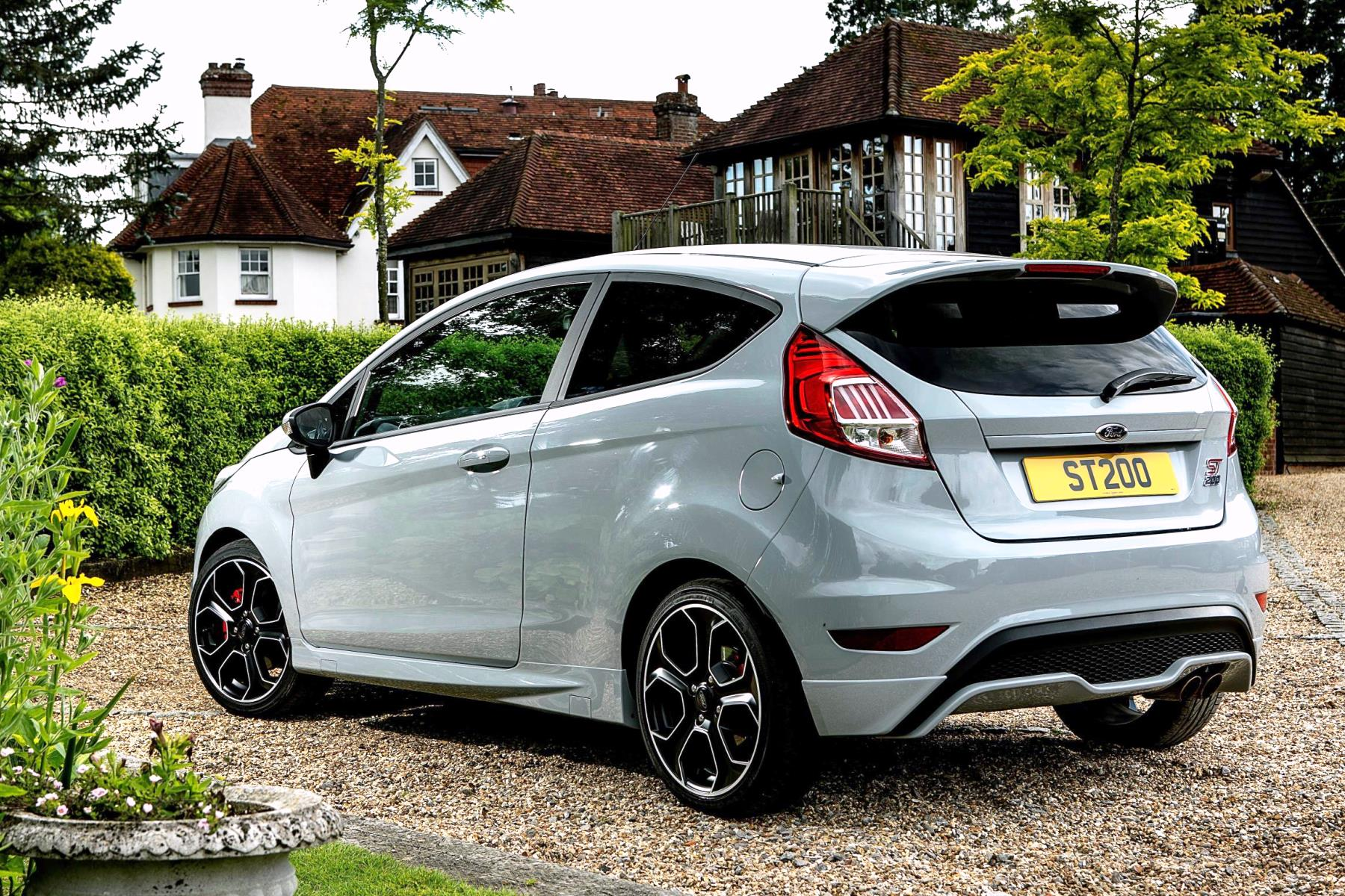 ford fiesta st200 review the best dash cams a. Black Bedroom Furniture Sets. Home Design Ideas