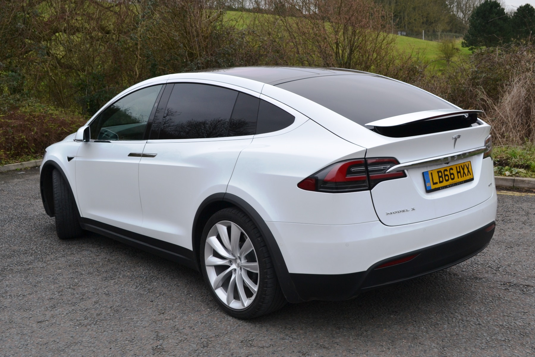 tesla model x review automotive blog. Black Bedroom Furniture Sets. Home Design Ideas