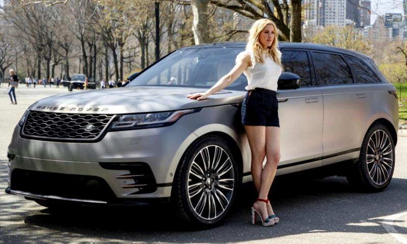 Ellie Goulding Range Rover Velar
