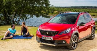 Couple with a PEUGEOT 2008 SUV GT Line