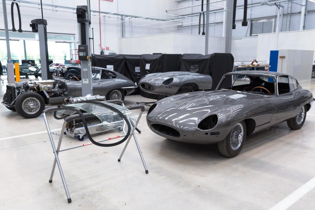 Jaguar E-type Reborn Legends