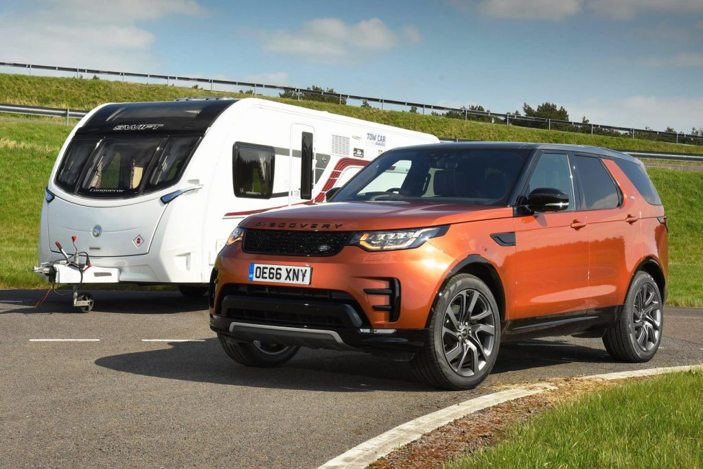Land Rover Discovery crowned top tow car