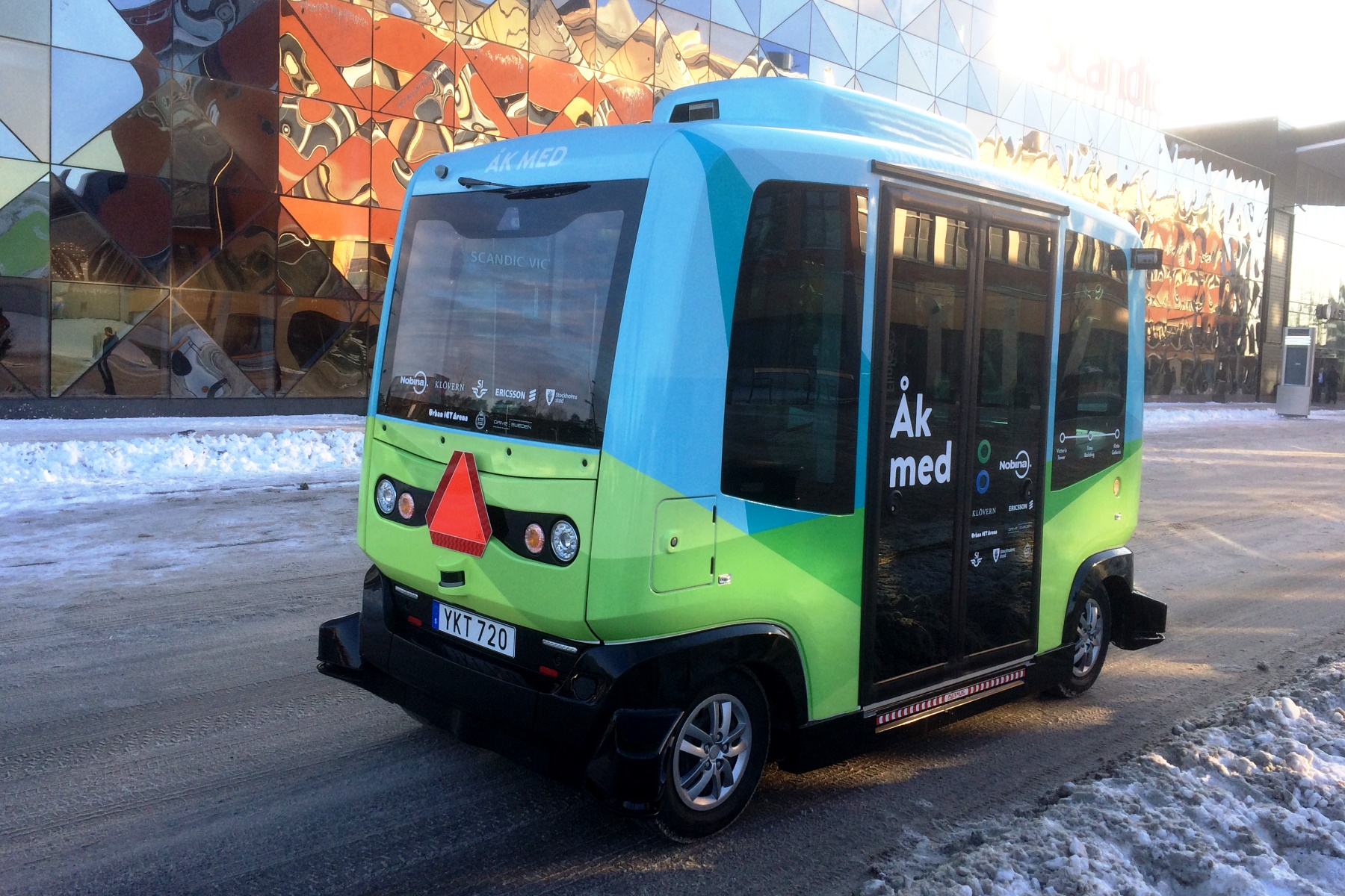 Self Driving Shuttle Buses Hit Stockholm S Streets