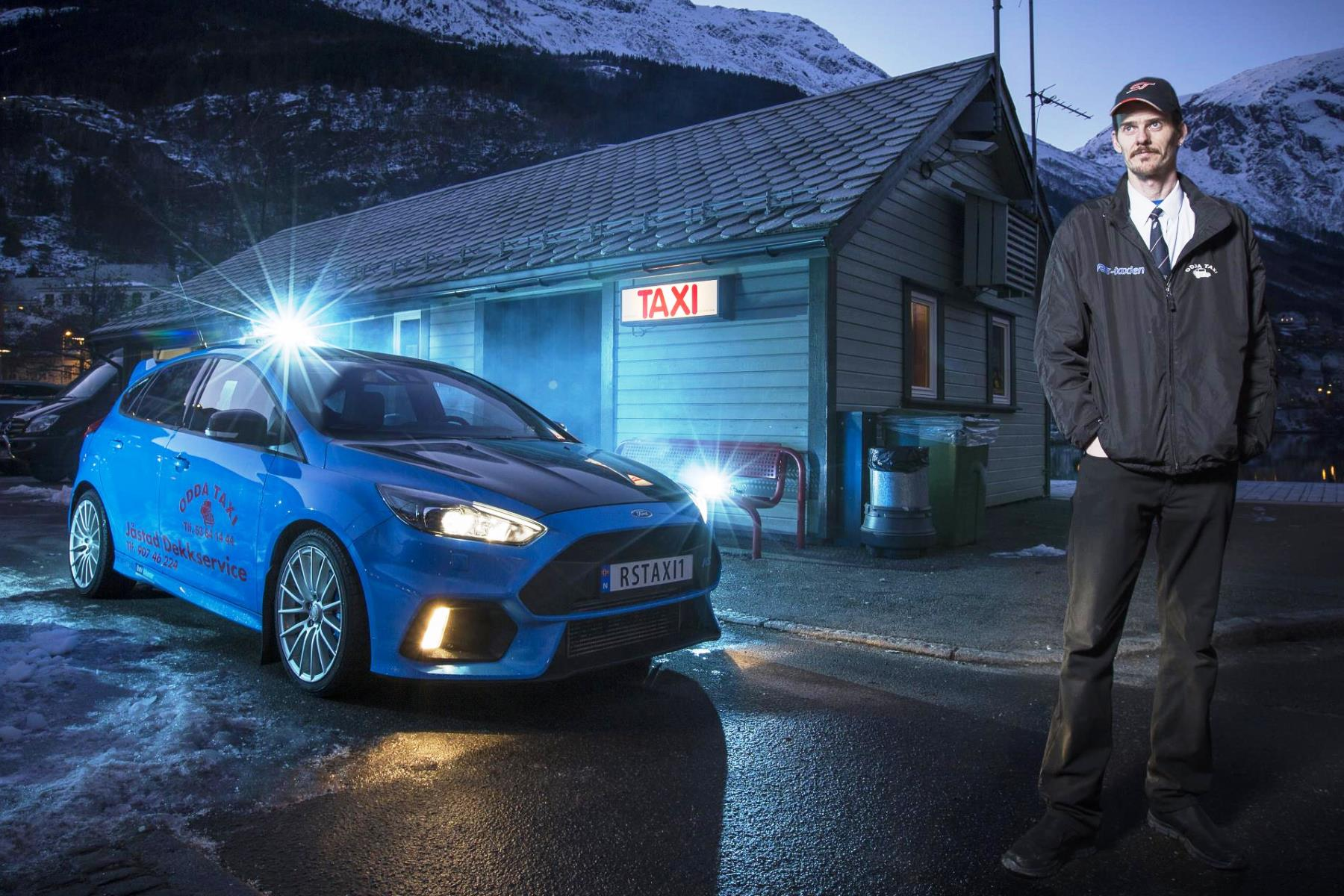 this taxi driver runs a ford focus rs automotive blog. Black Bedroom Furniture Sets. Home Design Ideas