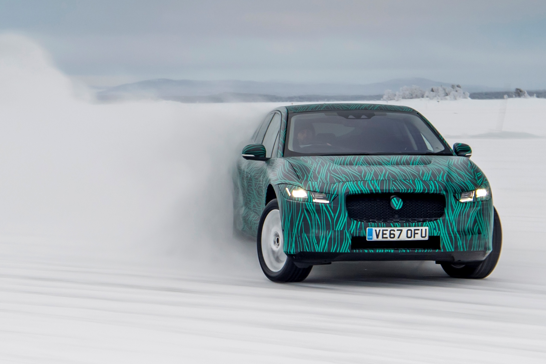 Jaguar I-Pace Plays in the Snow Before Geneva Debut