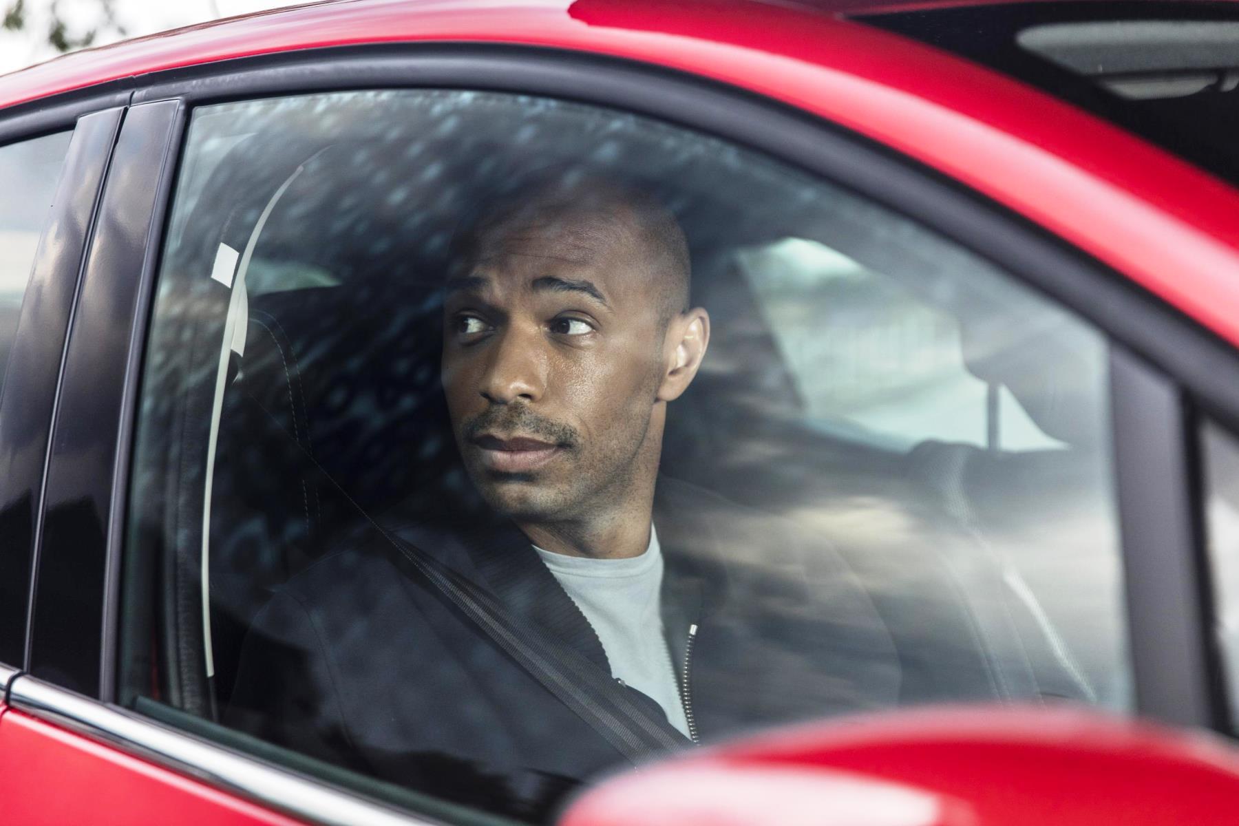 Va Va Voom is back - Thierry Henry returns to Renault (2)