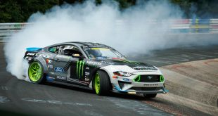 Ford Mustang drifting around the Nurburgring