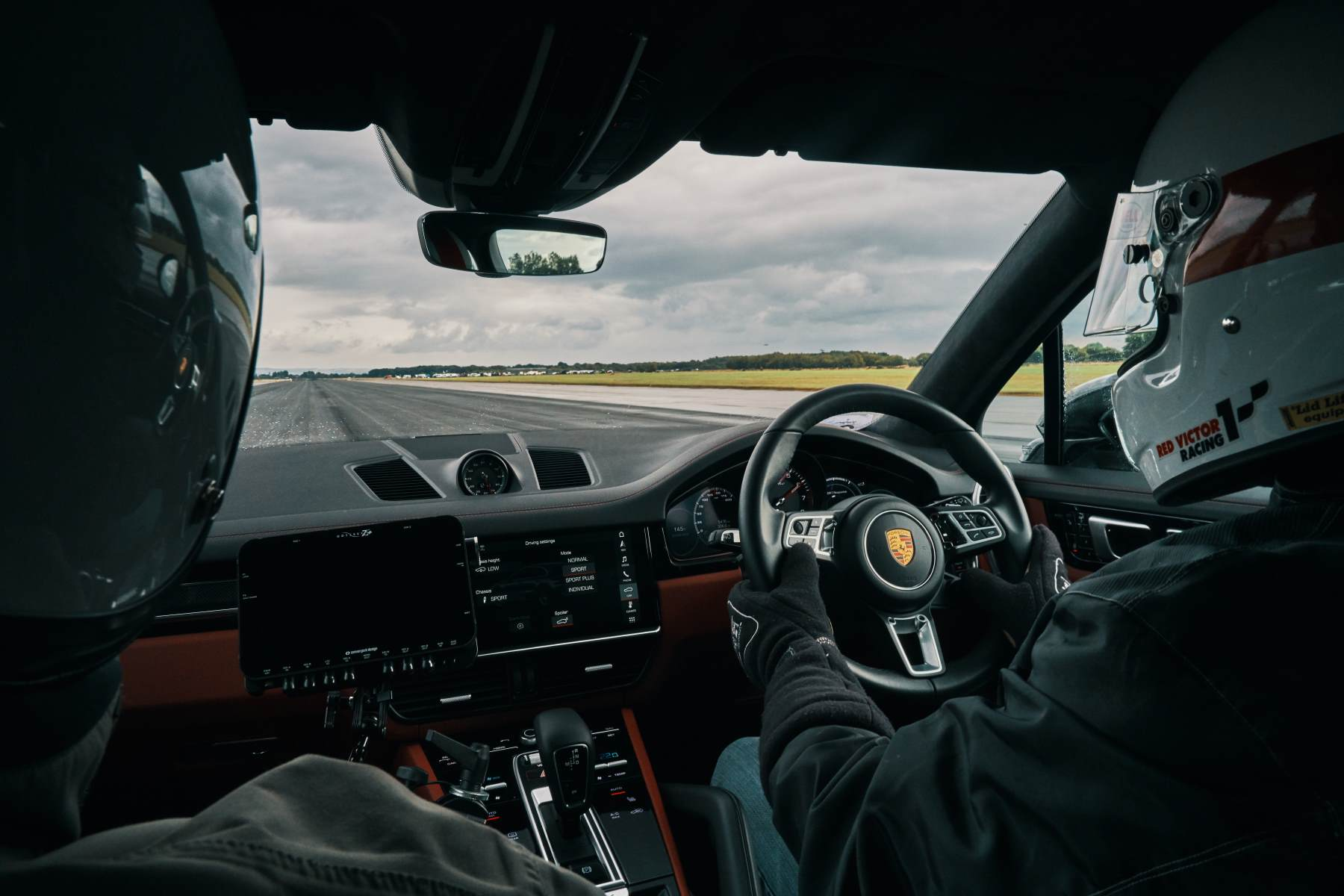 Slipstreamed Porsche Cayenne Turbo