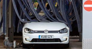 Volkswagen e-Golf in a car wash